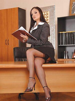Skirt Porn Pics