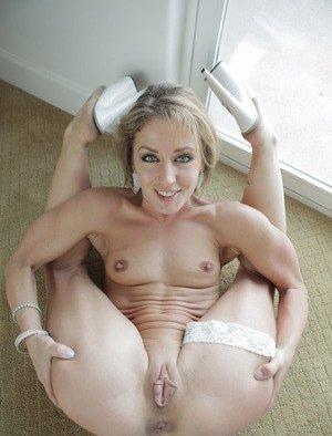 Flexy Porn Pics